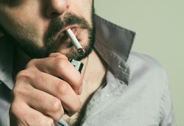 吸烟对身体危害极大,这些穴位能够帮助戒烟