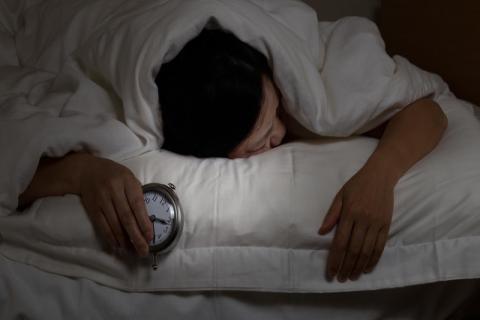 晚上失眠的原因有哪些?和你平时的饮食有关系!
