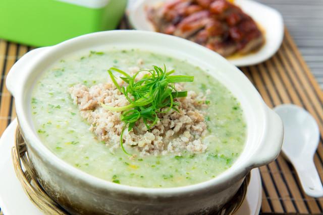 大米碎肉粥简单易做,确实适合日常生活
