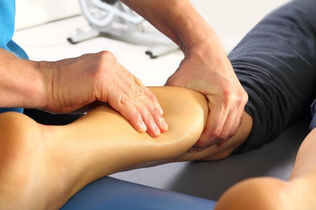 小腿经常酸痛怎么办?按摩这些穴位有奇效