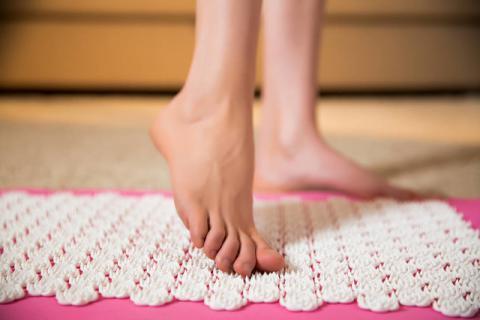 指压板的功效和作用有哪些,为了健康疼也要忍着