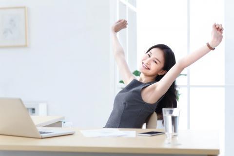 伸懒腰对身体有哪些好处,如何正确的伸懒腰
