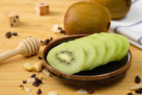 吃猕猴桃有什么好处 清热降火抑制皮肤癌