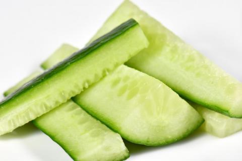 黄瓜的几大养生功效 让你越吃越年轻