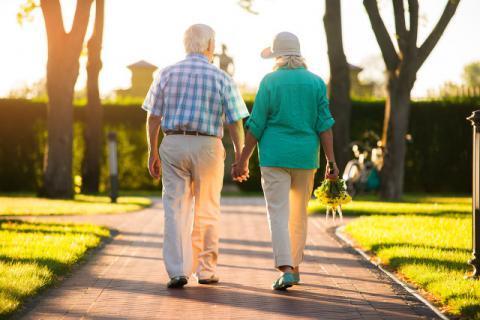 散步养生不伤膝盖的方法有哪些,虽简单却不得不防