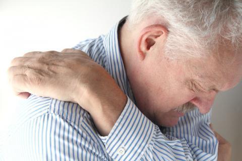 颈椎病对老人的危害有哪些呢,颈椎病的并发症有哪些