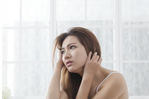有哪些小偏方可以缓解女性血热的症状