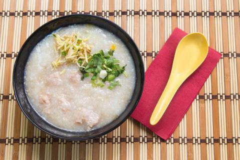 生姜粥的功效与做法是什么,营养又健康的粥你不学着做么
