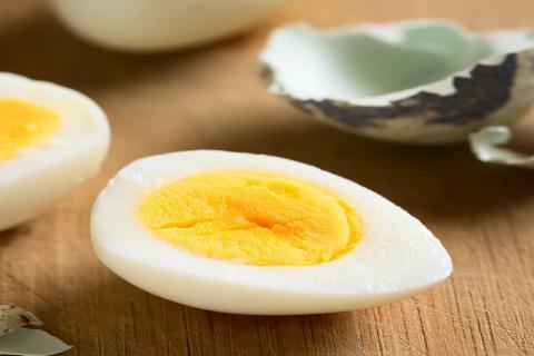 如何快速��去�g��蛋外��,如何正�_的煮�g��蛋