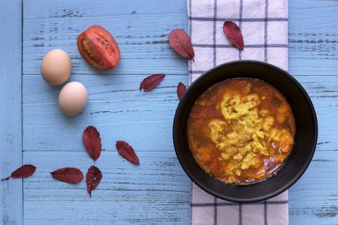 炒鸡蛋的时候为什么要加水?西红柿炒鸡蛋的做法