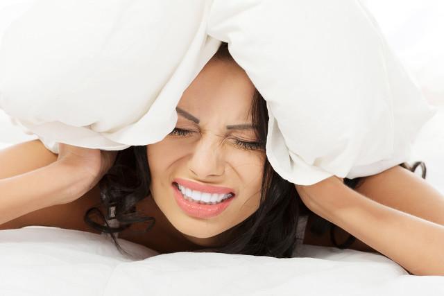 失眠偏方——肉桂粉敷涌泉穴