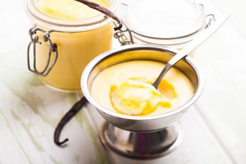 蒸鸡蛋糕时鸡蛋与水分的比例为多少最好,蒸鸡蛋糕时用热水还是凉水
