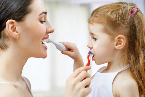 每天刷牙牙齿就健康吗?牙齿黑缝是蛀牙吗