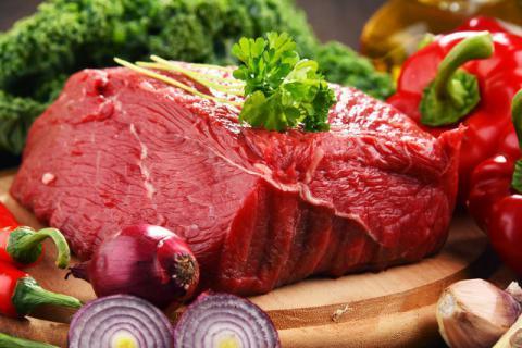 面对高价牛肉,在利益熏心的商家背后,如何分辨注水牛肉和普通牛肉