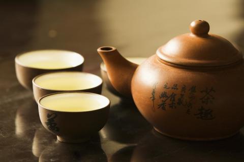喝茶的时候茶中能不能加蜂蜜,喝茶加蜂蜜是好还是不好
