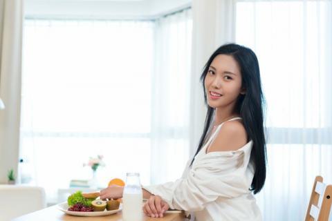 女性冬天吃什么养生?要及时去把握
