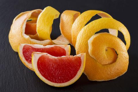 柚子皮并不仅仅用来泡水喝,这样使用效果更佳