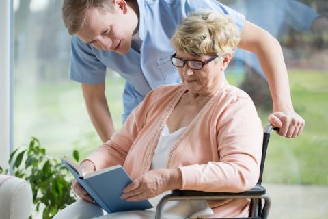 老年人补血气的食物有哪些,老年人冬季时间如何补血气