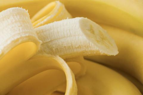 香蕉皮的功效与作用,香蕉皮洗脸有什么好处