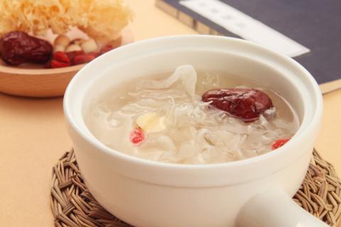 感冒的时候可以食用雪燕吗,雪燕的正确泡发方法科普