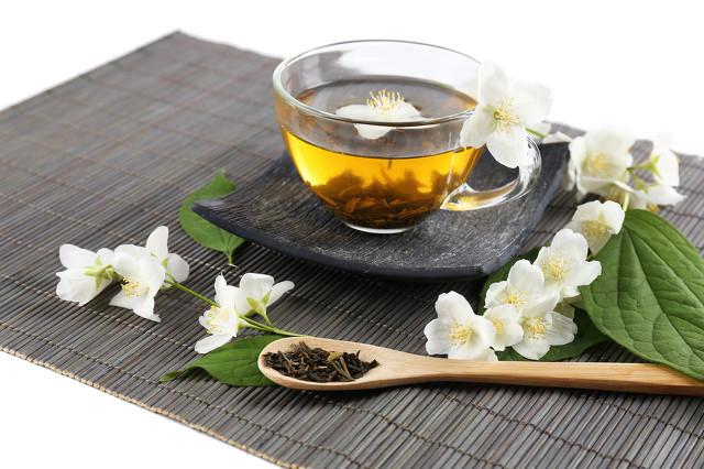 茉莉花茶的食用功效,清香怡人还需适量食用