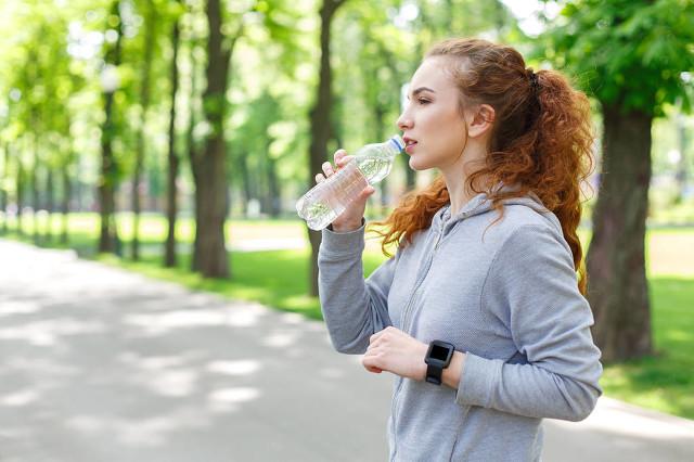 热水为什么越喝越渴