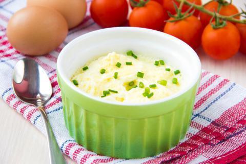 宝宝辅食西兰花蒸蛋做法,鲜嫩滑口