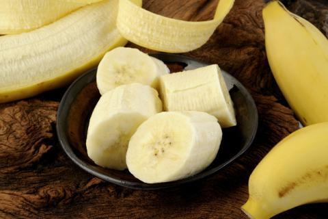 香蕉牛奶面粉鸡蛋饼的做法