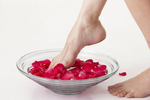 明星泡脚减肥,用什么泡脚有效果?