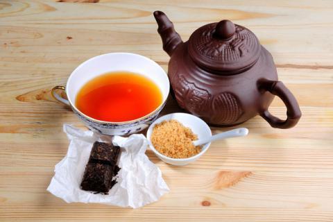 普洱茶刮油减肥法