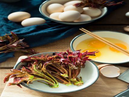 香椿干炒鸡蛋的做法,其实做法很简单!