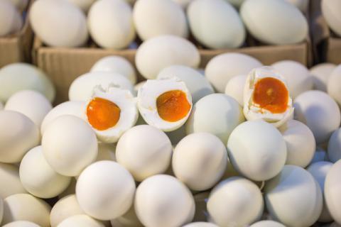 咸鸭蛋的腌制,需要多长时间?