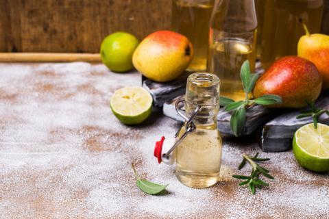 分享家庭自制苹果醋的做法!操作十分简单哦!