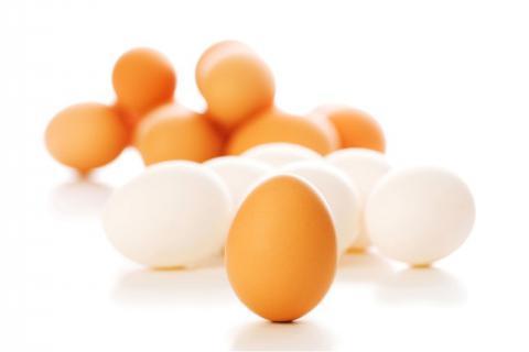 用五香咸鸡蛋腌制法,腌制出的鸡蛋香味浓郁、咸淡适中!