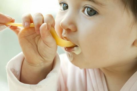 宝宝是弱小而脆弱的,宝宝对食物过敏的原因!