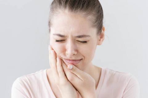 智齿为什么叫智齿?智齿必须拔除吗?这样做才能缓解疼痛