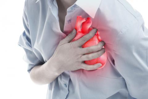 心绞痛有哪些诱因?按摩哪些穴位,可以缓解心绞痛