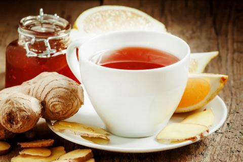 新鲜洛神花可以直接泡水喝吗?洛神花适宜搭配哪些花茶饮用?晾晒后喝口感更佳