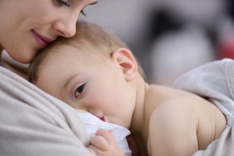 哺乳期的女性可以吃提子吗?哺乳期吃红提的好处有哪些?