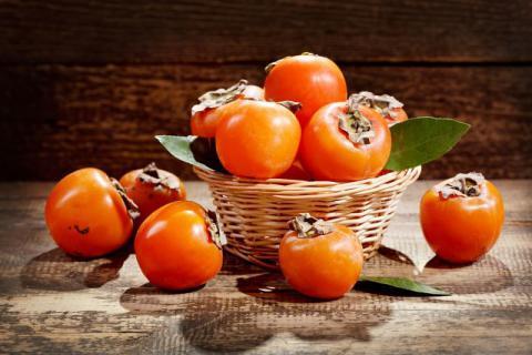 柿子中间部位能吃吗?吃柿子就会诱发结石吗?好吃也需适量