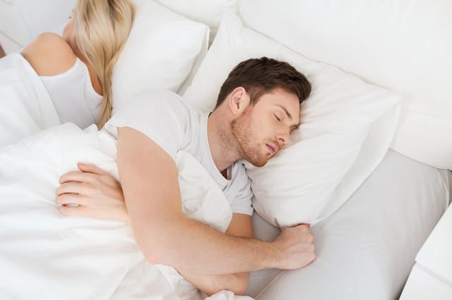 如何化解男人在床上的冷漠?