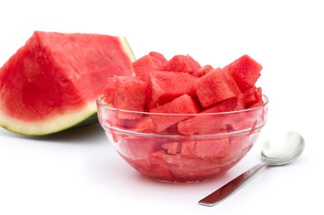 西瓜和桃子可以一起吃吗?夏季吃水果要注意什么