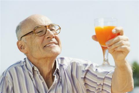 夏季老人要注意的食物有哪些?老年人���注意的�食健康