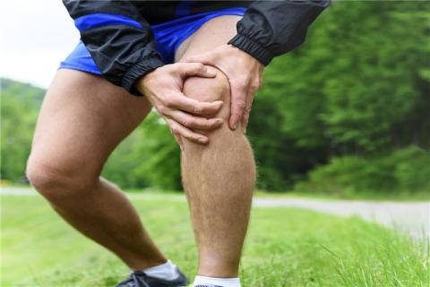 户外跑步如何预防膝盖磨损?学会下面这几招就不怕了