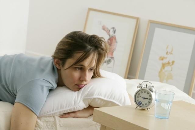 夏天怎样缓解失眠?这些方法可以缓解失眠
