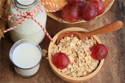 吃多久燕麦可以减肥?吃燕麦减肥的注意事项