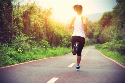 跑步机适合什么人使用?使用跑步机跑步的注意事项