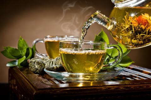 去肺火的茶有哪些?肺火旺盛怎么�A防?