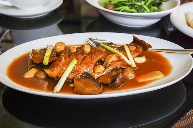 吃鱼也要讲究方法,营养美味红烧鱼的做法快来学习