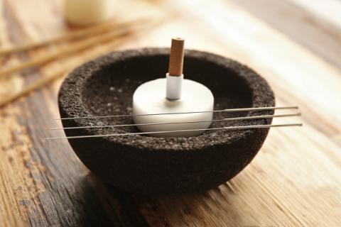 艾灸虽养生保健也要慎重,艾灸的副作用